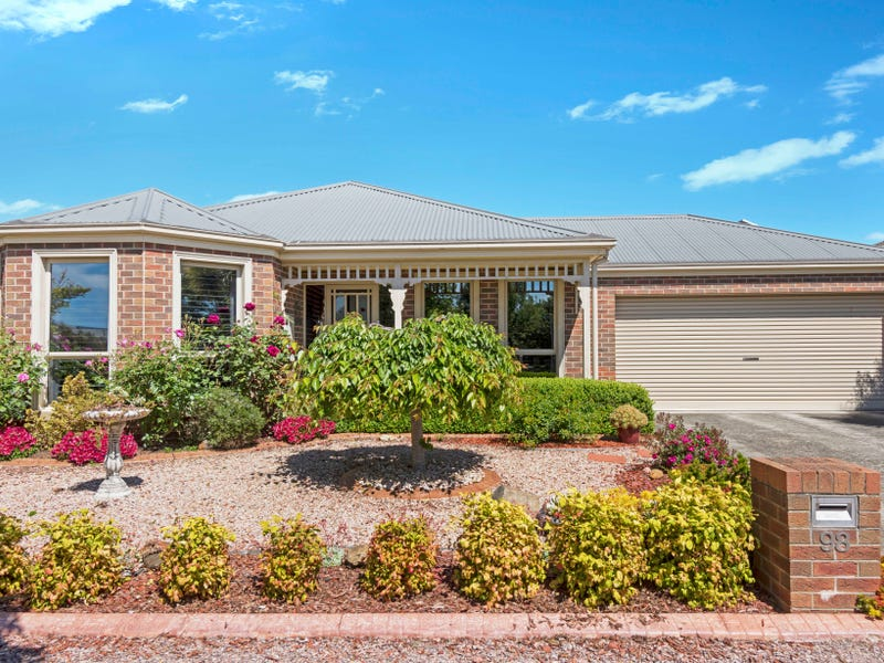 98 Stirling Drive, Lake Gardens, Vic 3355