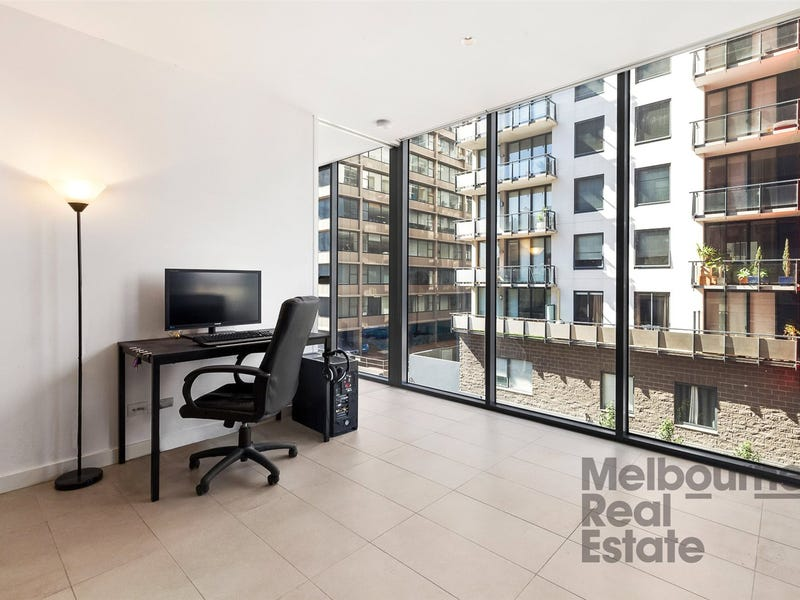 313/74 Queens Road, Melbourne