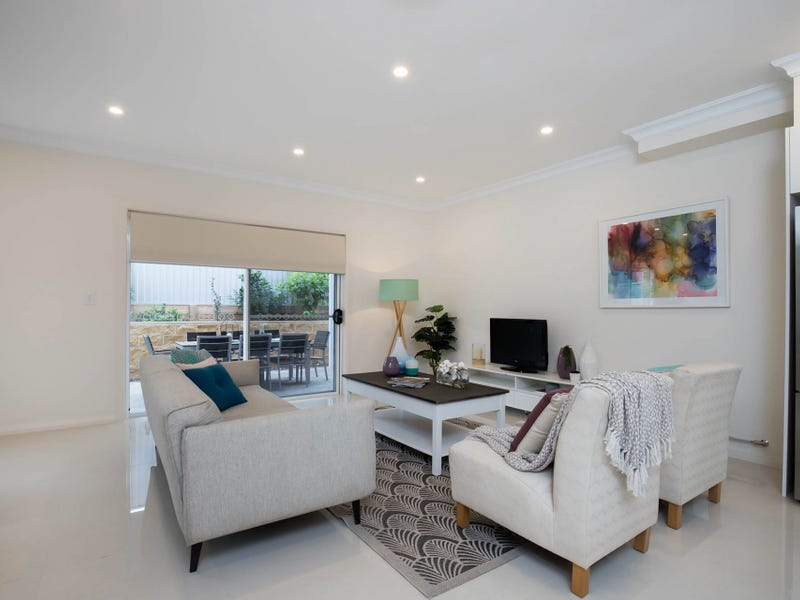 8/10 Old Glenfield Road, Casula, NSW 2170