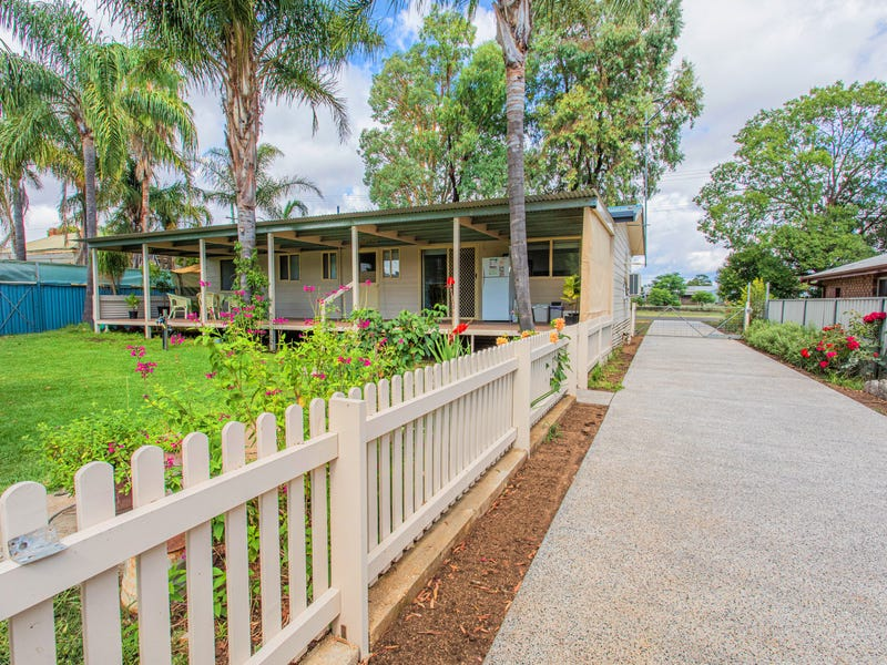 25 River Park Road, Cowra, NSW 2794