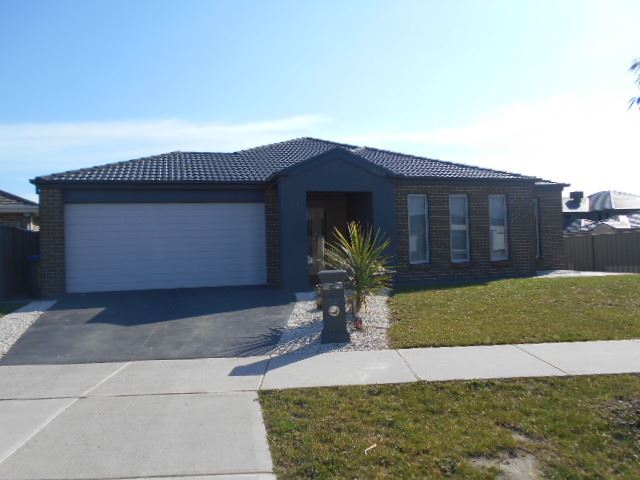 72 Stately Drive, Cranbourne East, Vic 3977