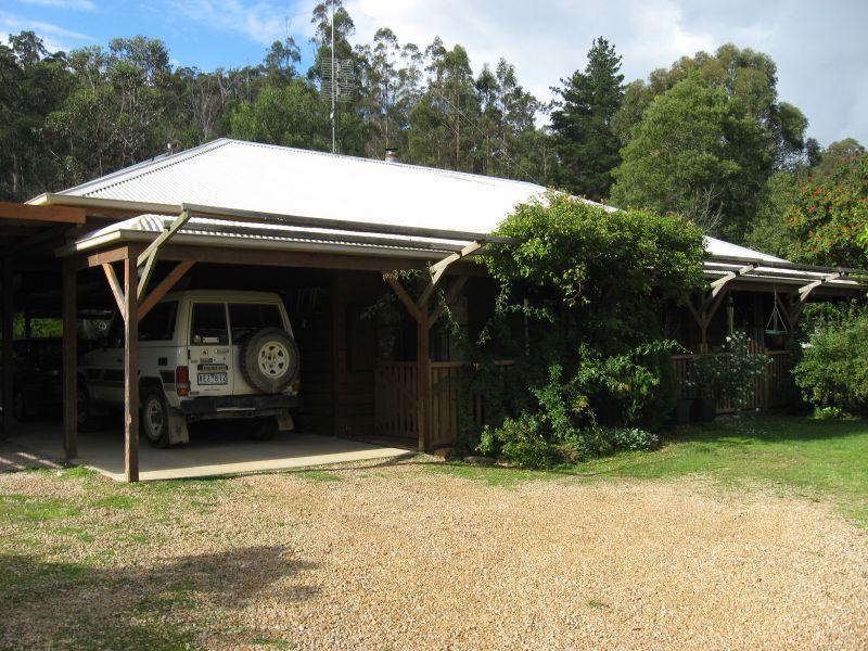 90 Deep Creek Road, Wiseleigh, Vic 3885
