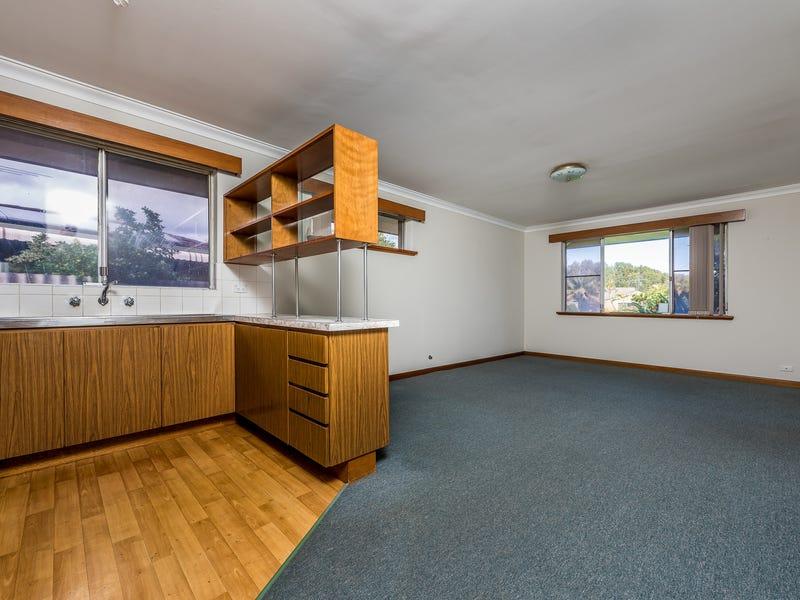 6 Whittle Place, Stirling, WA 6021