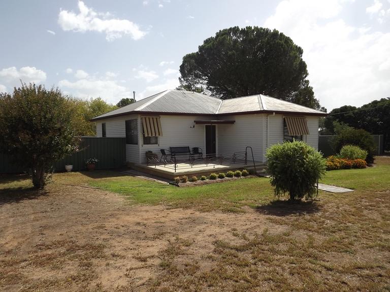 8 Charles St, Coonabarabran, NSW 2357