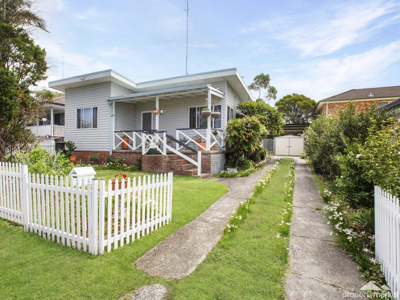 1 Anembo Avenue, Summerland Point, NSW 2259