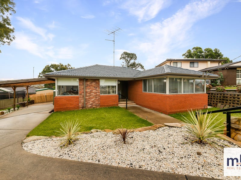 9 Sturt Place, Camden South, NSW 2570