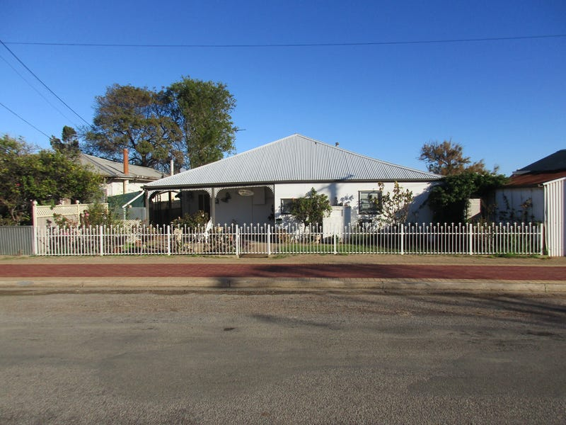 7 Dalling Street, Port Broughton, SA 5522