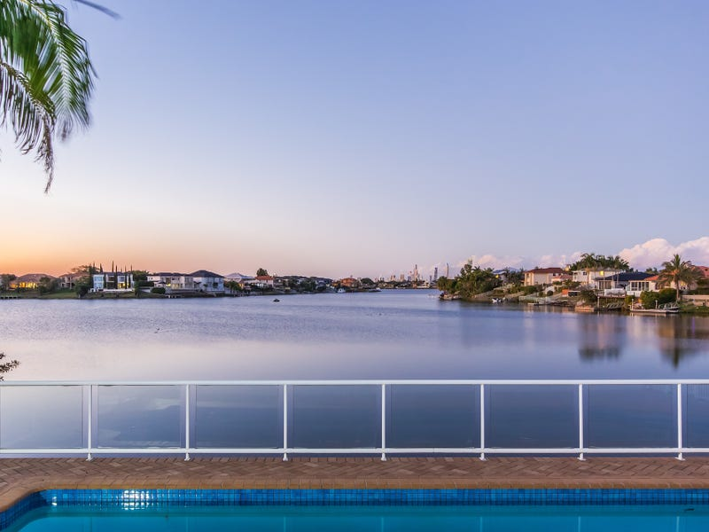 11 Clipper Boulevard, Clear Island Waters, Qld 4226