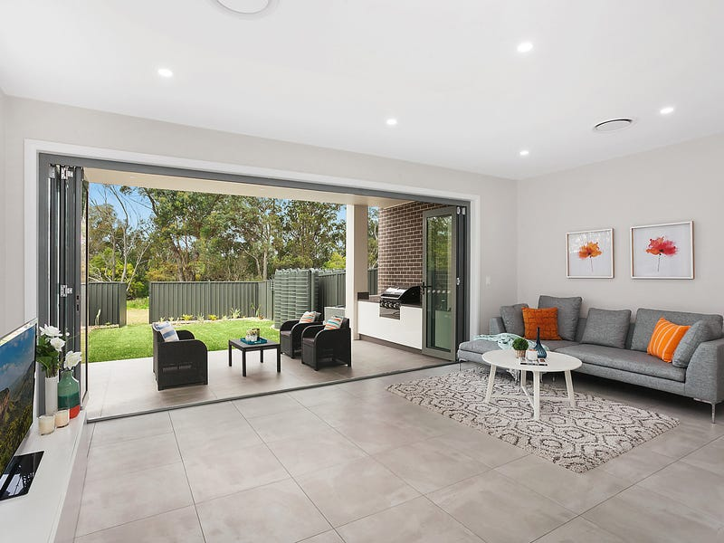 35 Parkview Avenue, Picnic Point, NSW 2213