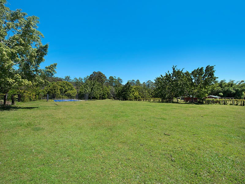 262 Upper Camp Mountain Road, Camp Mountain, Qld 4520