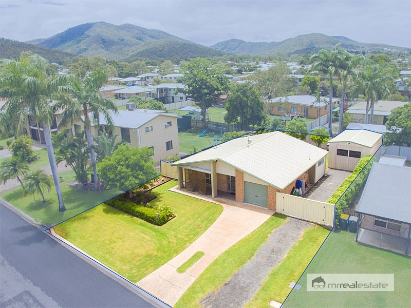 27 Kingfisher Parade, Norman Gardens, Qld 4701