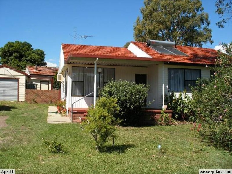 2 Morgan Cres, Raymond Terrace, NSW 2324
