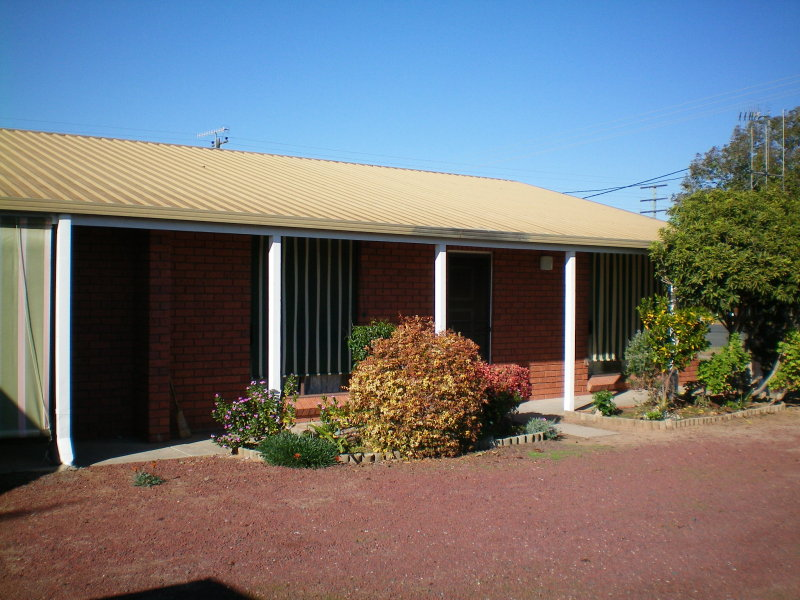 1/425 Harfleur Street, Deniliquin, NSW 2710
