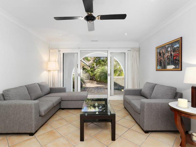 2 Yarralumla Avenue, St Ives Chase, NSW 2075