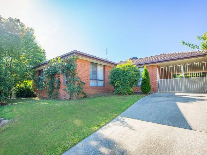 32 Wiltshire Crescent, Wodonga, Vic 3690