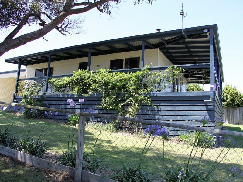 5 Foam Street, Lakes Entrance, Vic 3909