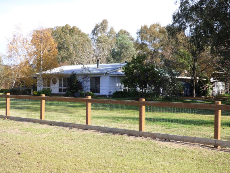128 Back Road, Whorouly, Vic 3735