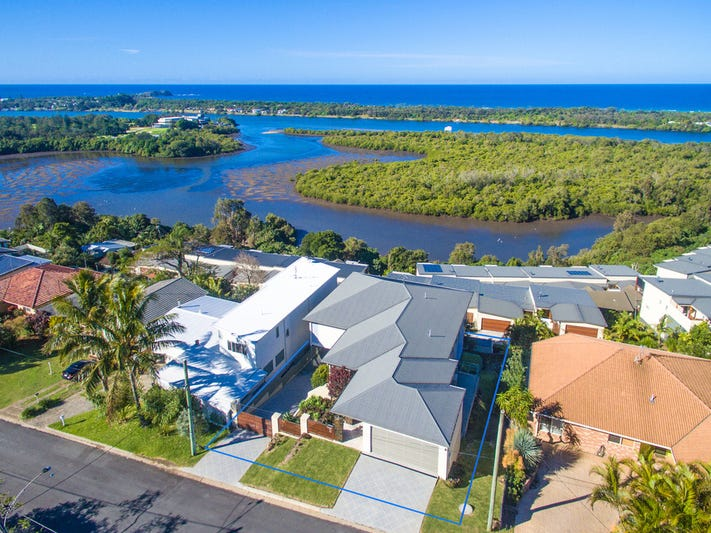 10 Walter Crescent, Banora Point, NSW 2486
