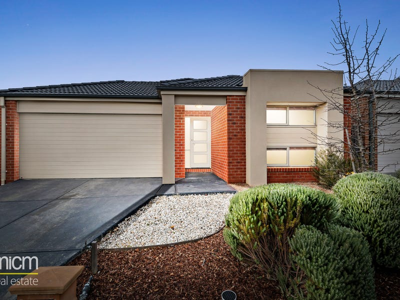 15 Warunda Parade, Point Cook, Vic 3030
