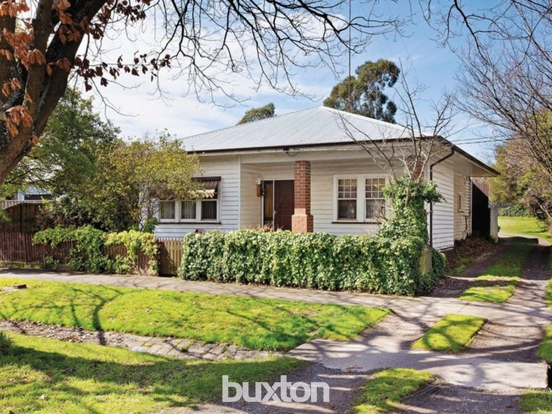 212 Clyde Street, Soldiers Hill, Vic 3350