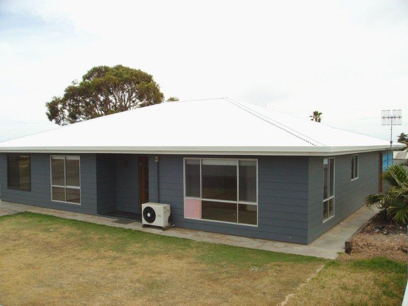20 OLOUGHLIN TERRACE, Port Neill, SA 5604