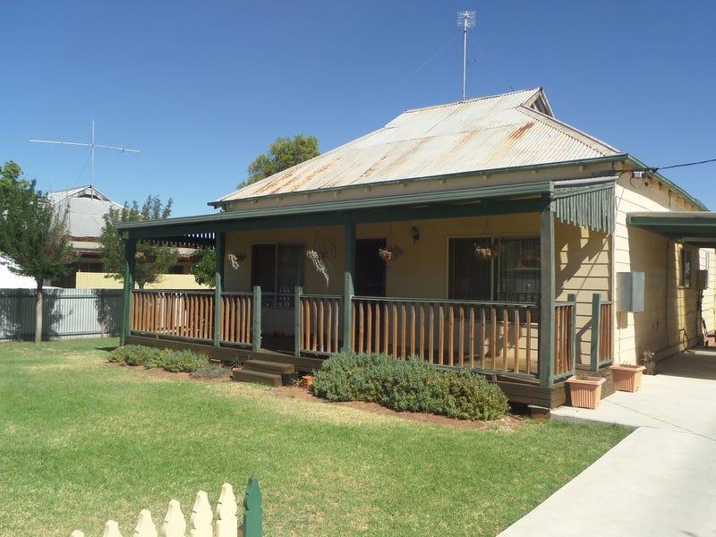 74 Dalgetty Street, Narrandera