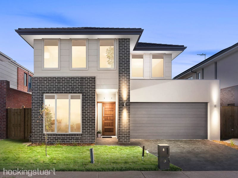 8 Roundhay Crescent, Point Cook, Vic 3030