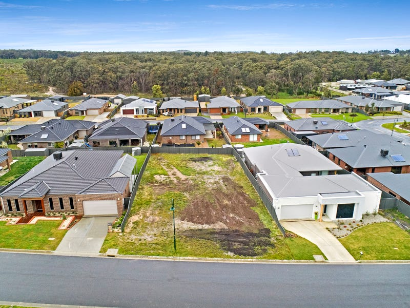 13 Bunny Hop Court, Mount Clear, Vic 3350