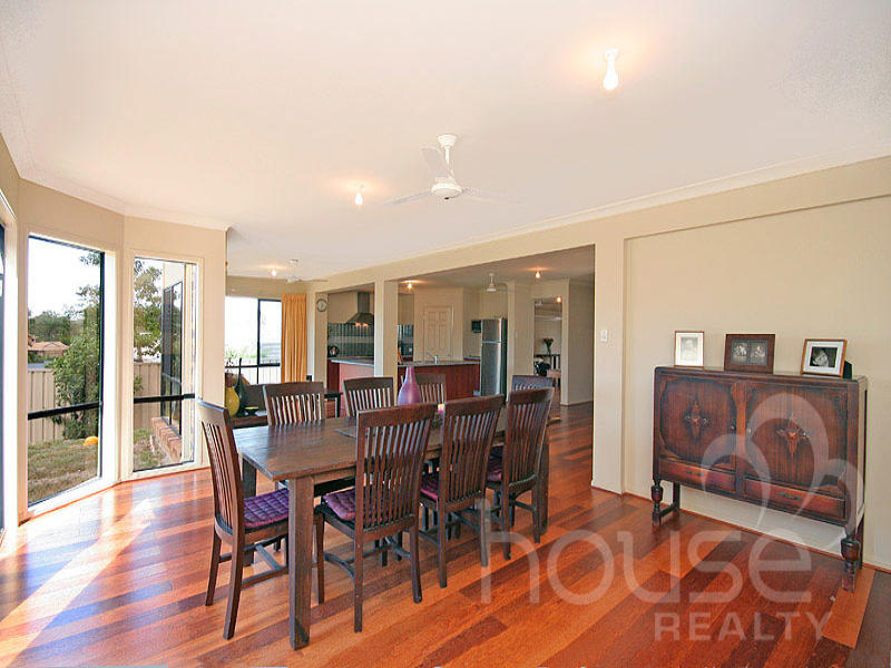 158 Gibson Crescent, Bellbowrie, Qld 4070