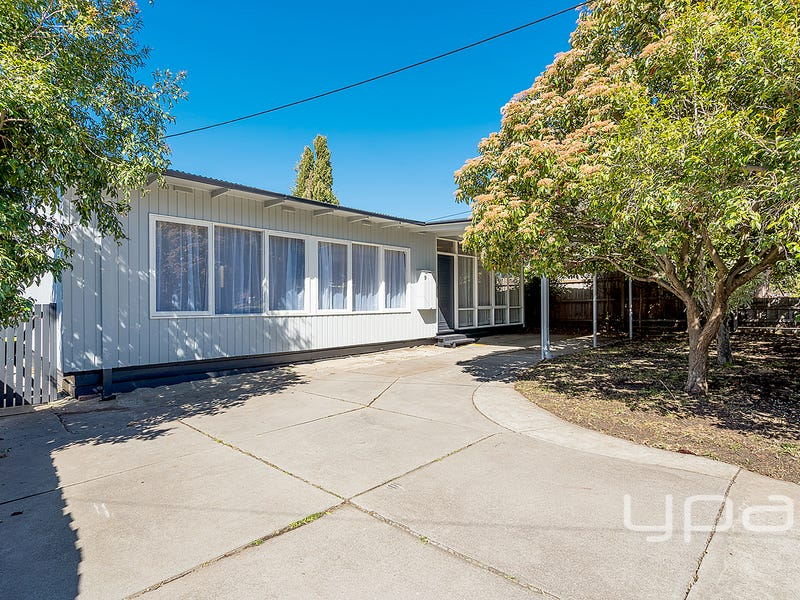 9 Lawson Street, Sunbury, Vic 3429