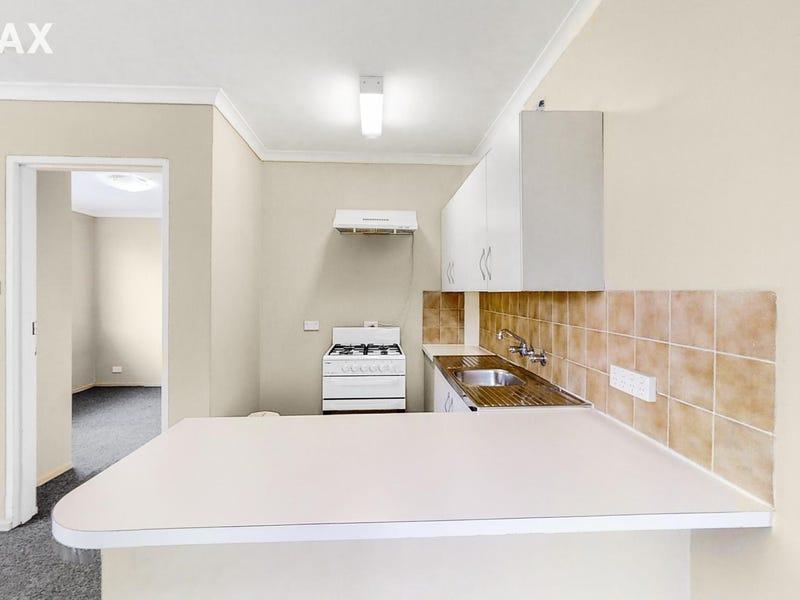 12/10 Macquoid Street, Queanbeyan, NSW 2620