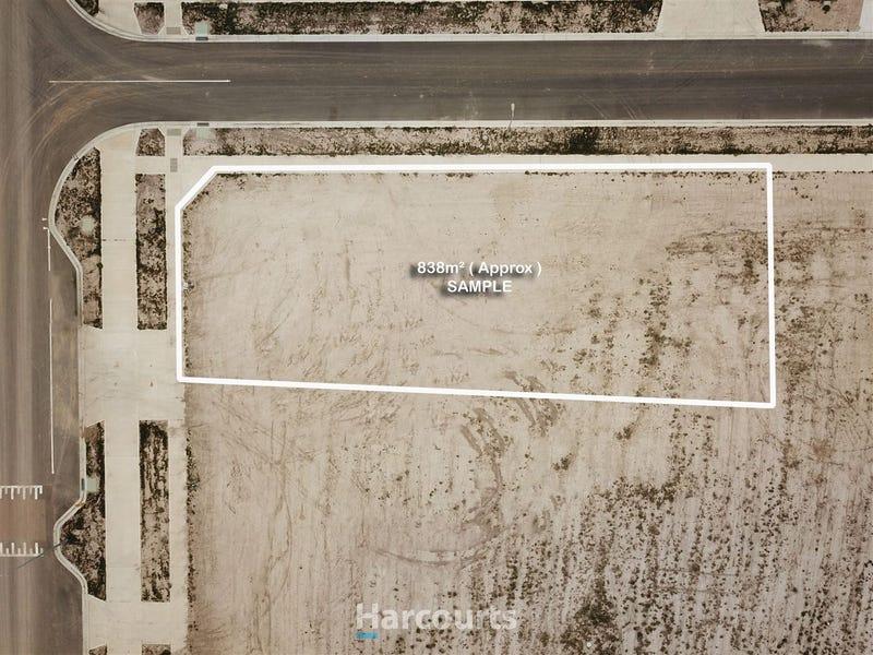 99 Newgrange Blvd, Clyde North, Vic 3978