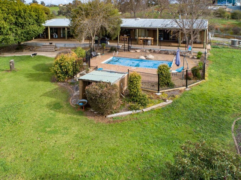 58 Bowna Park Dr, Table Top, NSW 2640