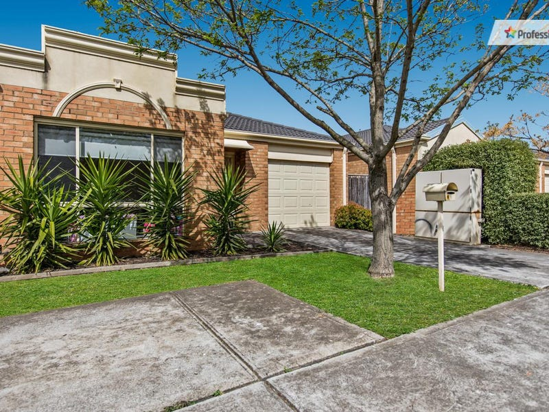10 Tintern Loop, Hillside, Vic 3037