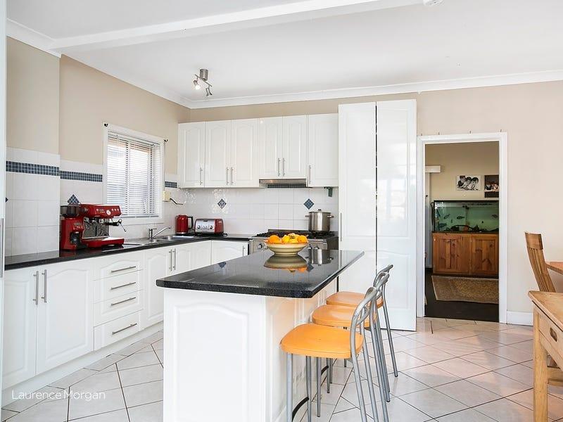 37 Lindsay Street, Unanderra, NSW 2526