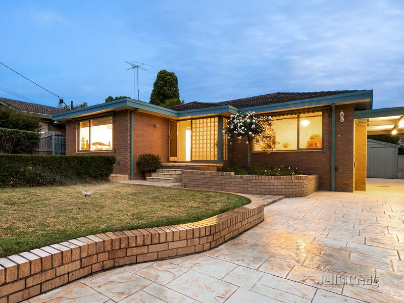 62 Roseland Grove, Doncaster, Vic 3108