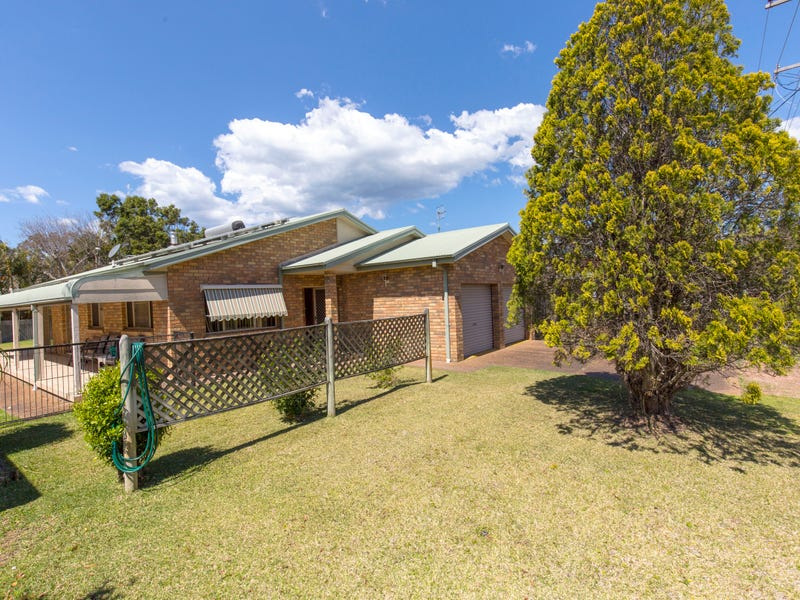 26 Muneela Avenue, Hawks Nest, NSW 2324