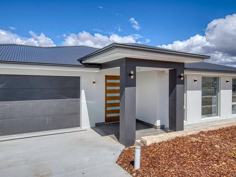 12 Trask Street, Coombs, ACT 2611