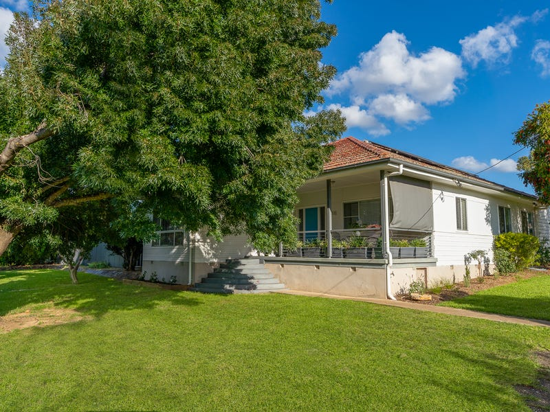 16 Castle Street, Molong, NSW 2866