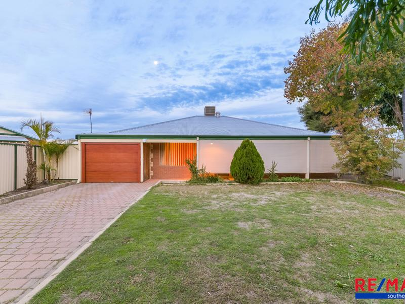 5 Skytown Place, Queens Park, WA 6107