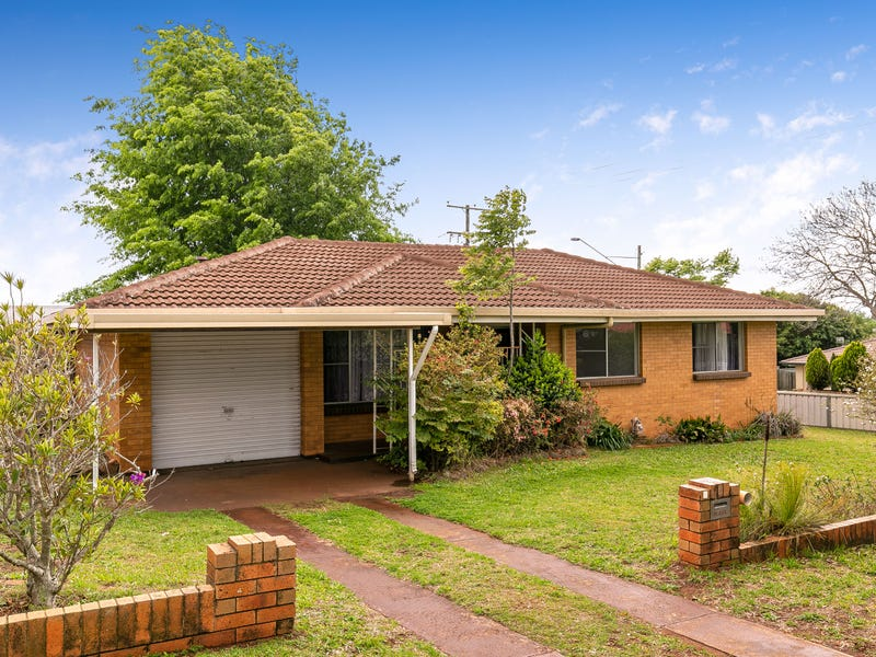 1 Clive Crescent, Darling Heights, Qld 4350