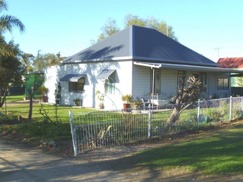 39 Gleno Street, Delungra, NSW 2403