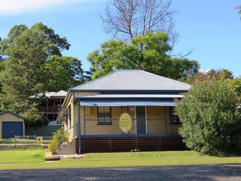 16 Cumberland Street, Cessnock, NSW 2325