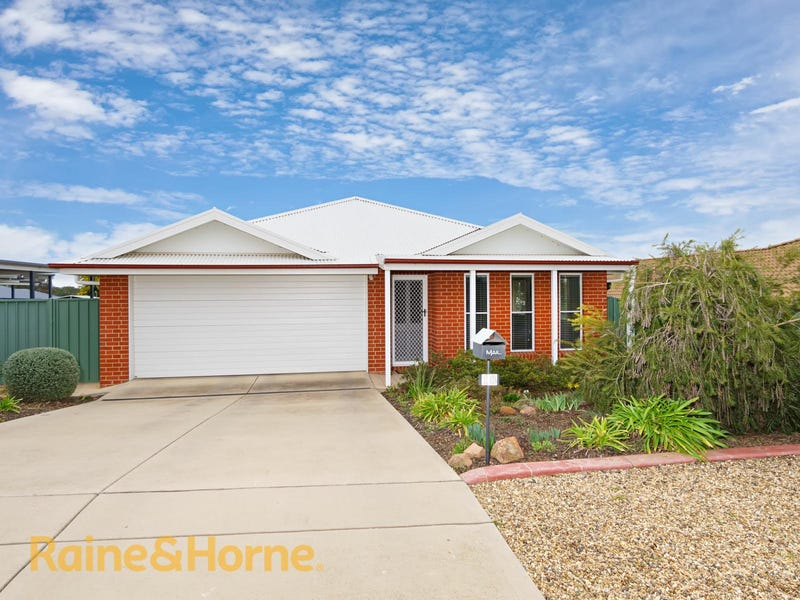 18 Melaleuca Drive, Forest Hill, NSW 2651
