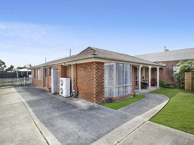 2 Rendcomb Street, Kilsyth South, Vic 3137