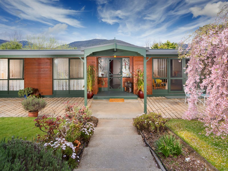 4 Coleman Court, Dartmouth, Vic 3701