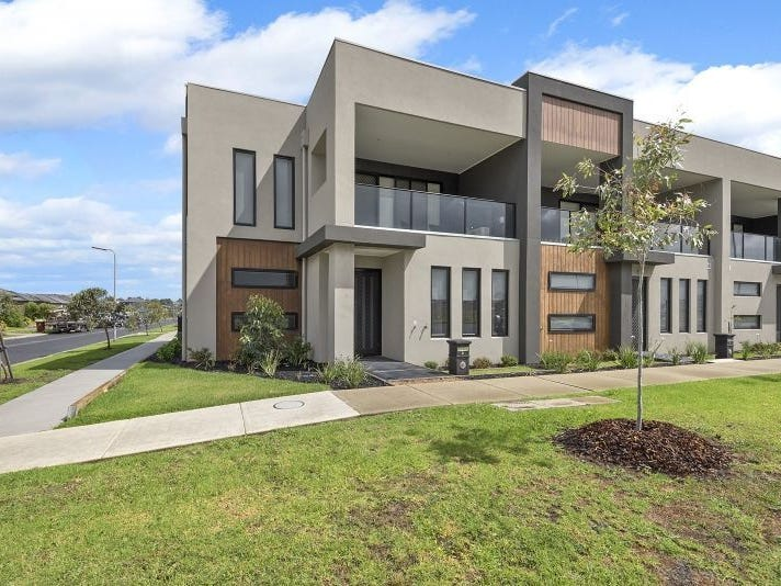 St Georges Terrace,  Cnr Selandra Boulevard & Rhinelander Close, Clyde North, Vic 3978