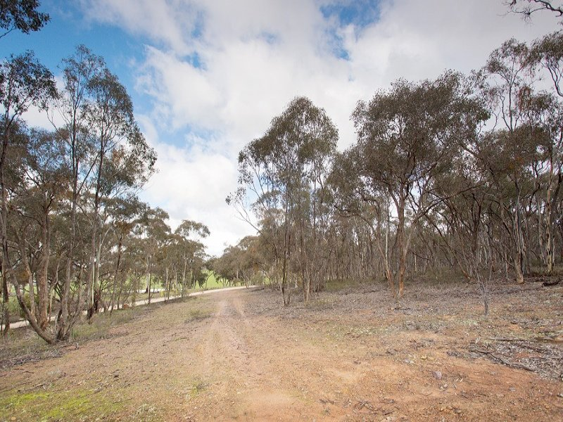 Atkins Road, Strangways, Vic 3461
