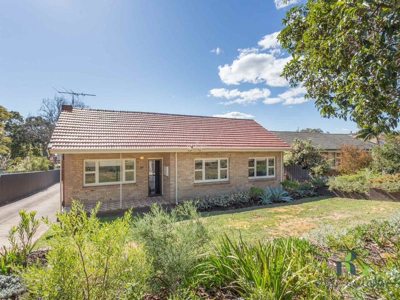 34 Woodley Crescent, Melville, WA 6156