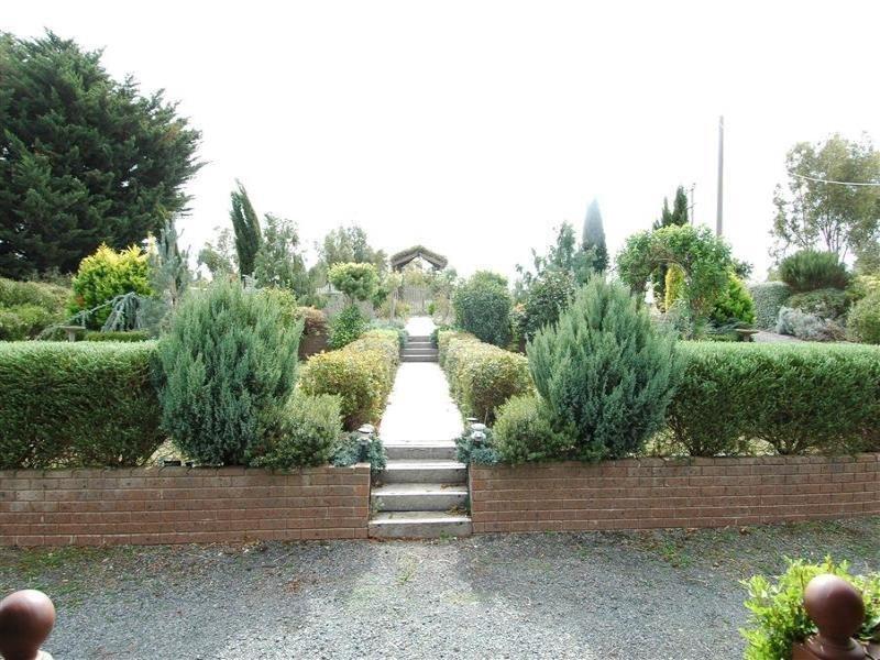 28 Newlyn-Reservoir Road, Newlyn North, Vic 3364